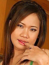 Lovely Asian girl Eve pussy pounding