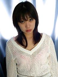 Sexy japan schoolgirl Maki Sirota