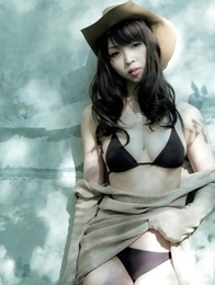 Japanese girl Neohas one of her best photo sessions out of house