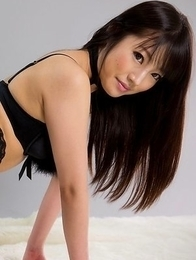 Horny babe in black Mizuho Shiina flaunting it while wearing sexy heels