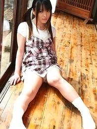 Hot Asian Arisa Suzuki shows playful titties