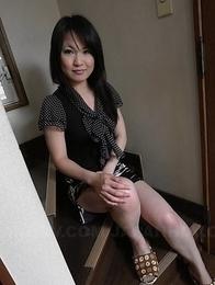 Nasty Yoshimi Inamori shows hot ass, big tits