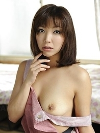 Juri Kitahara shows round boobs and spreads