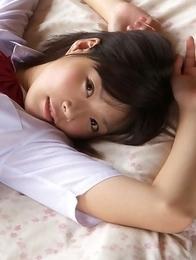 Airi Sakuragi takes uniform skirt off and shows naughty bum